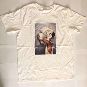 Tops - 👻 FLORAL WOMAN WHITE T SHIRT (asian large)